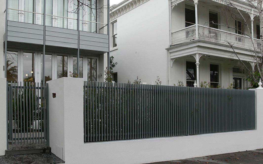 Aluminium fencing for garden