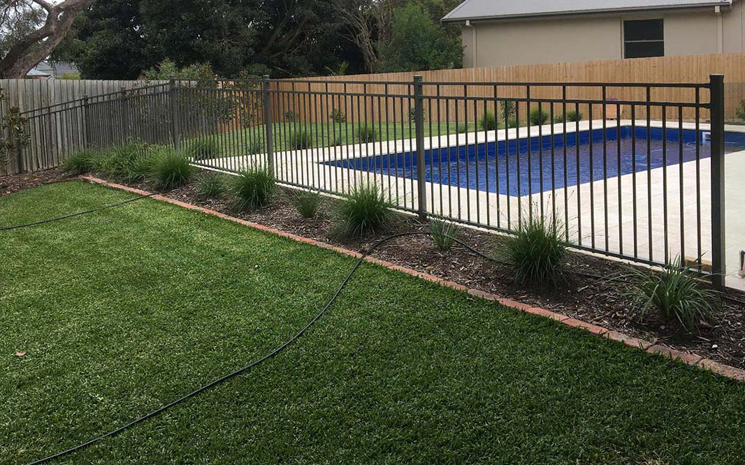 Pool Fencing using Aluminium