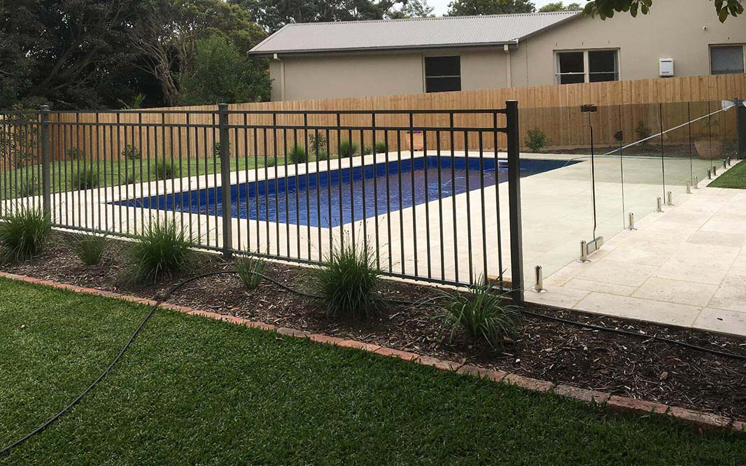 Glass and Aluminium Pool Fencing