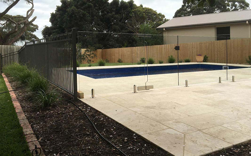Aluminium with Glass Pool Fencing