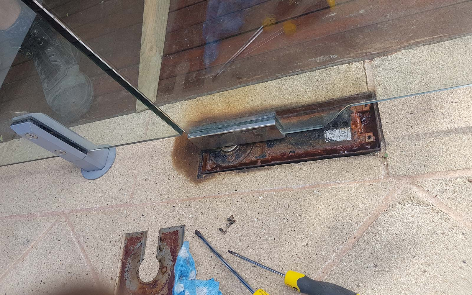 Glass Pool Fence Repairs