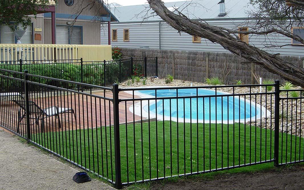 aluminium pool fence Melbourne