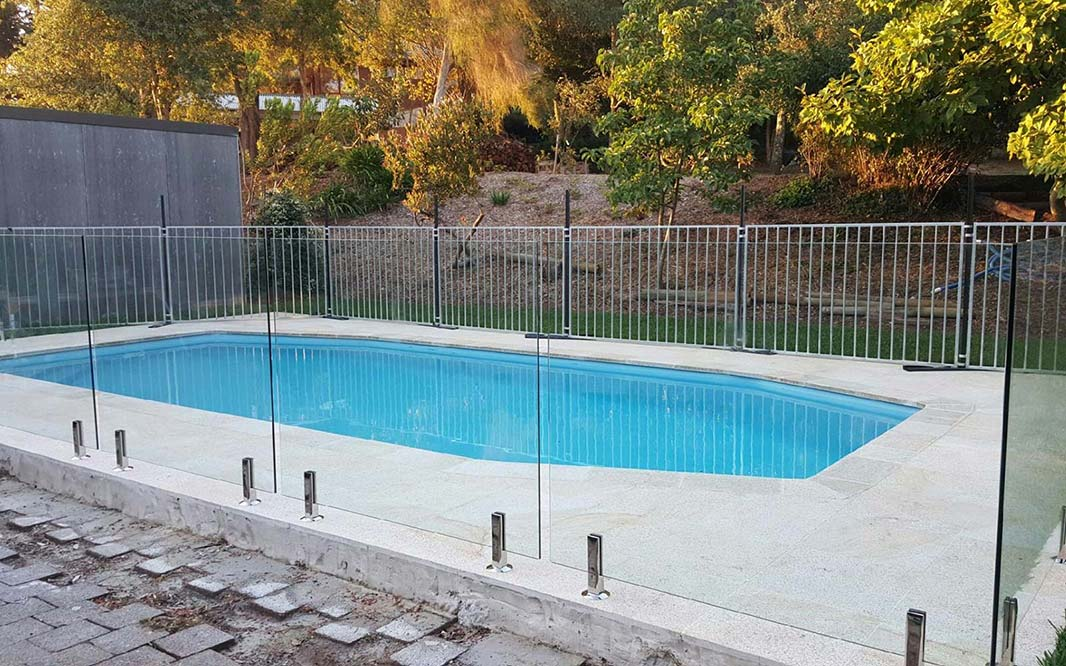 Garden Swimming Pool Glass Fencing