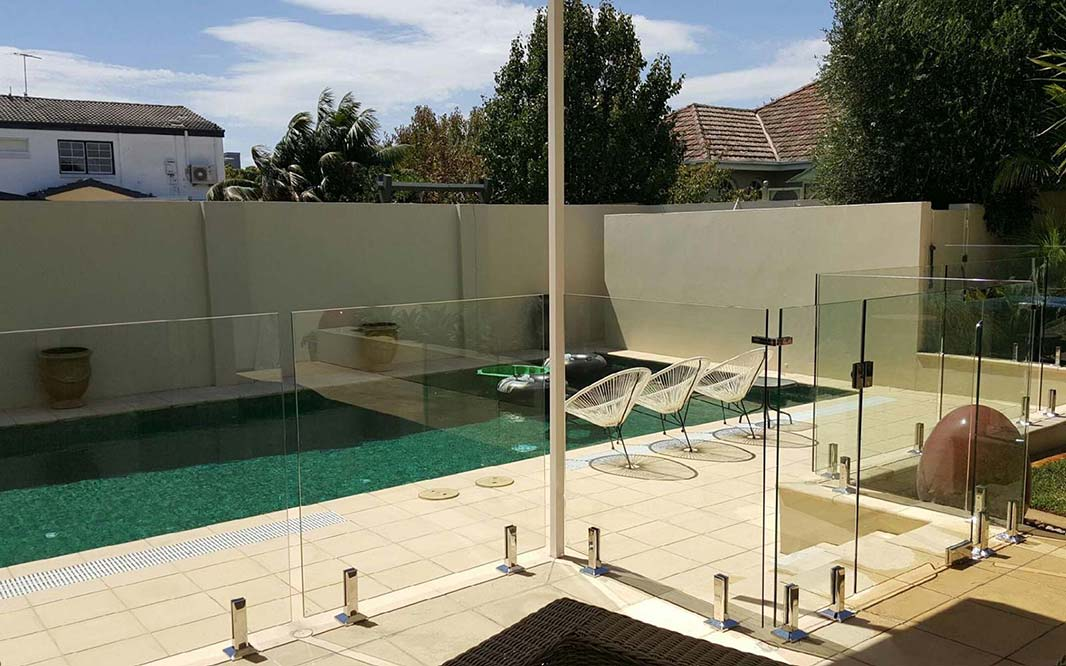 Unique Design for Glass Pool Fencing