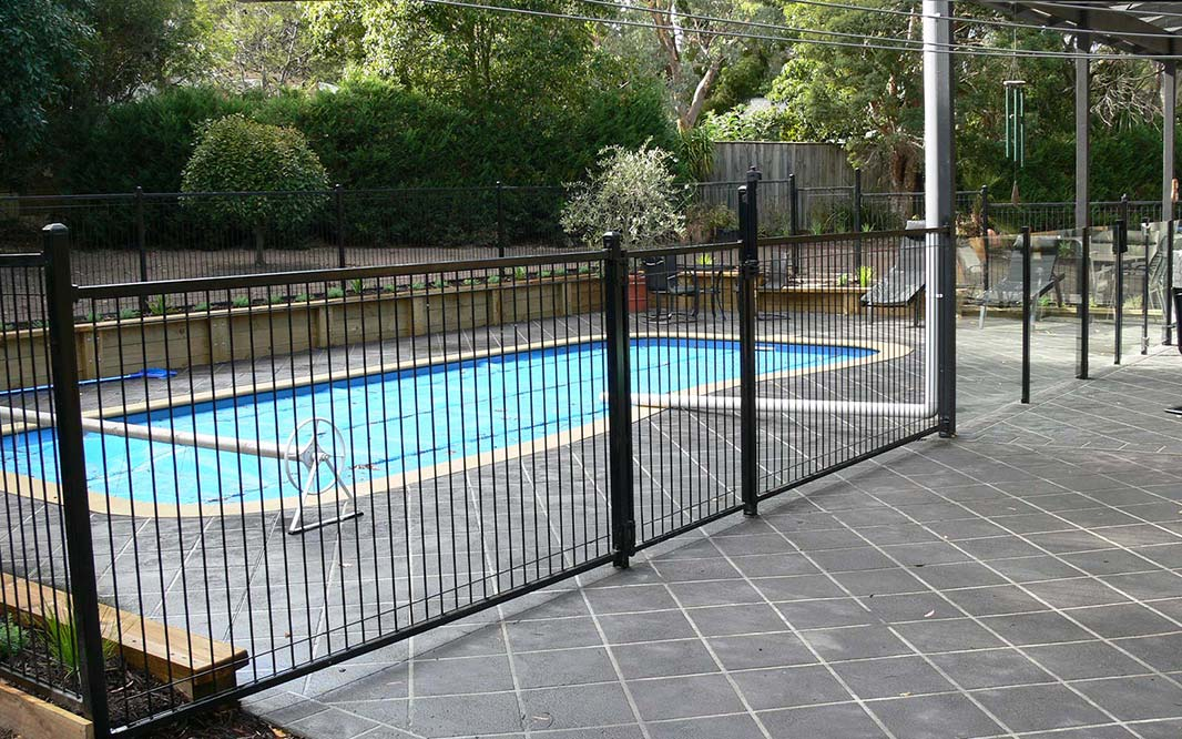 Steel Fencing with Pool Cover