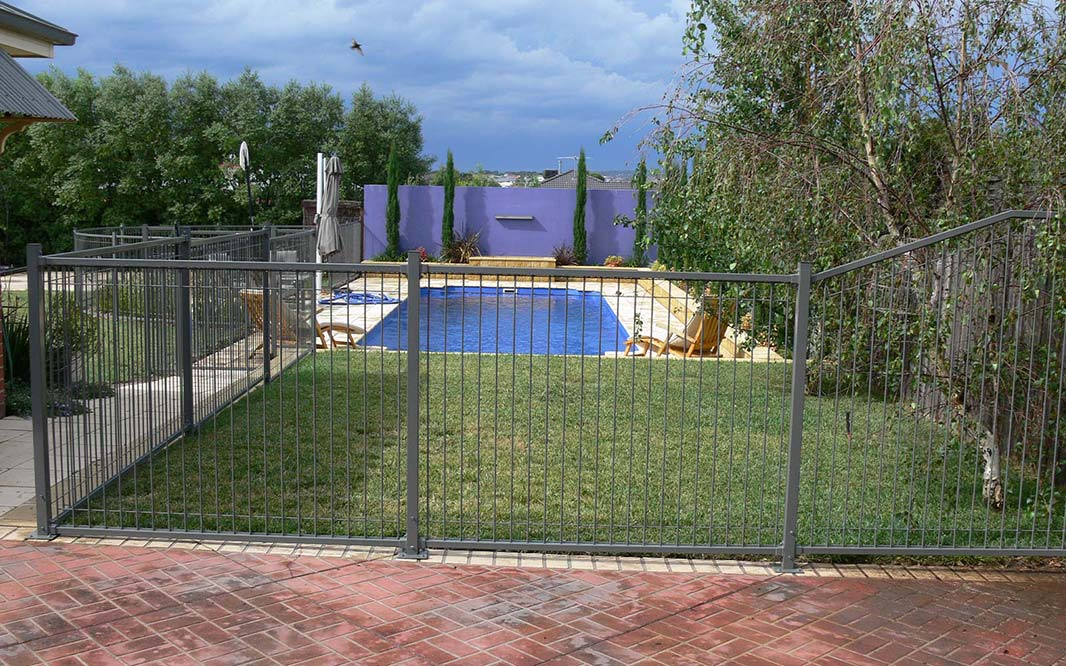 Pool Fencing with Steel and Glass
