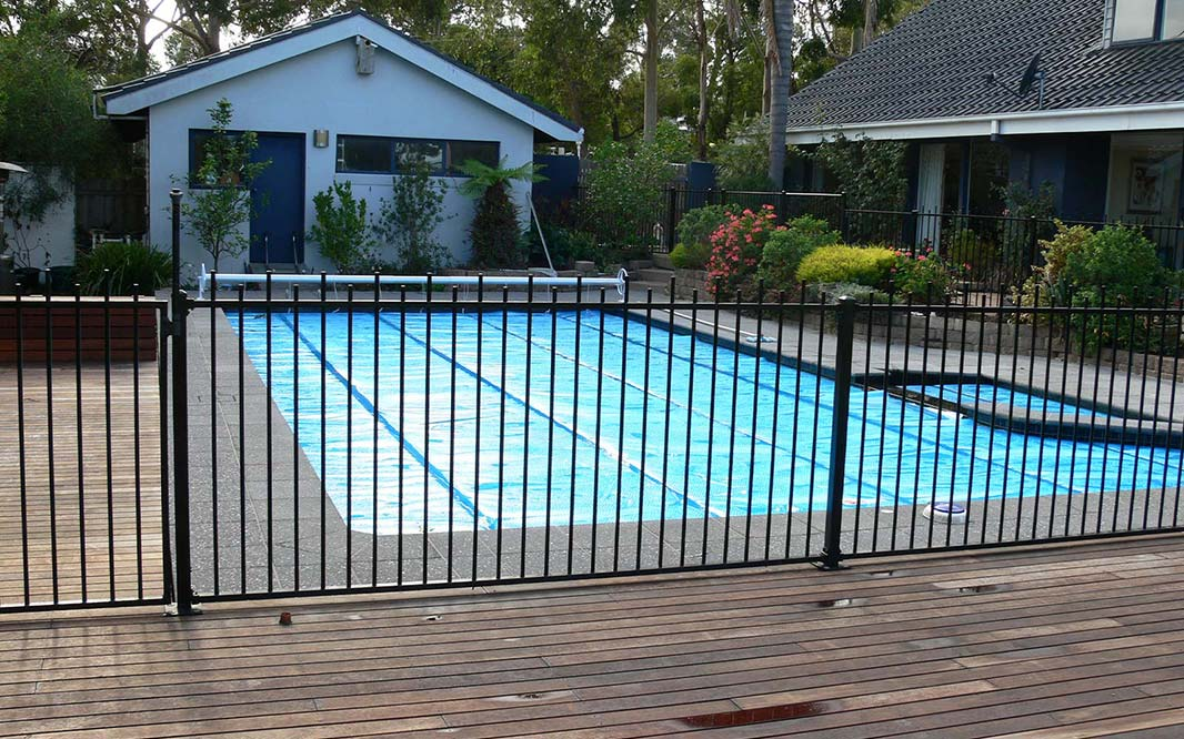 Fencing using Steel for Pool