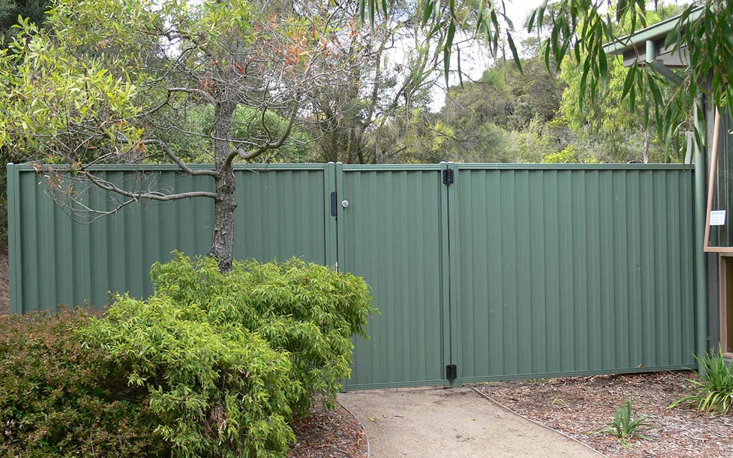 Steel Gate and Fencing