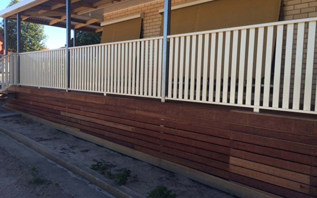 Fencing using Slat for Home