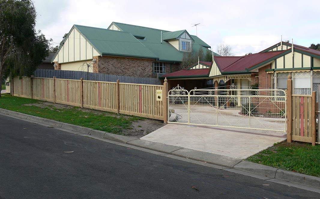 Fencing Design for Home and Garden