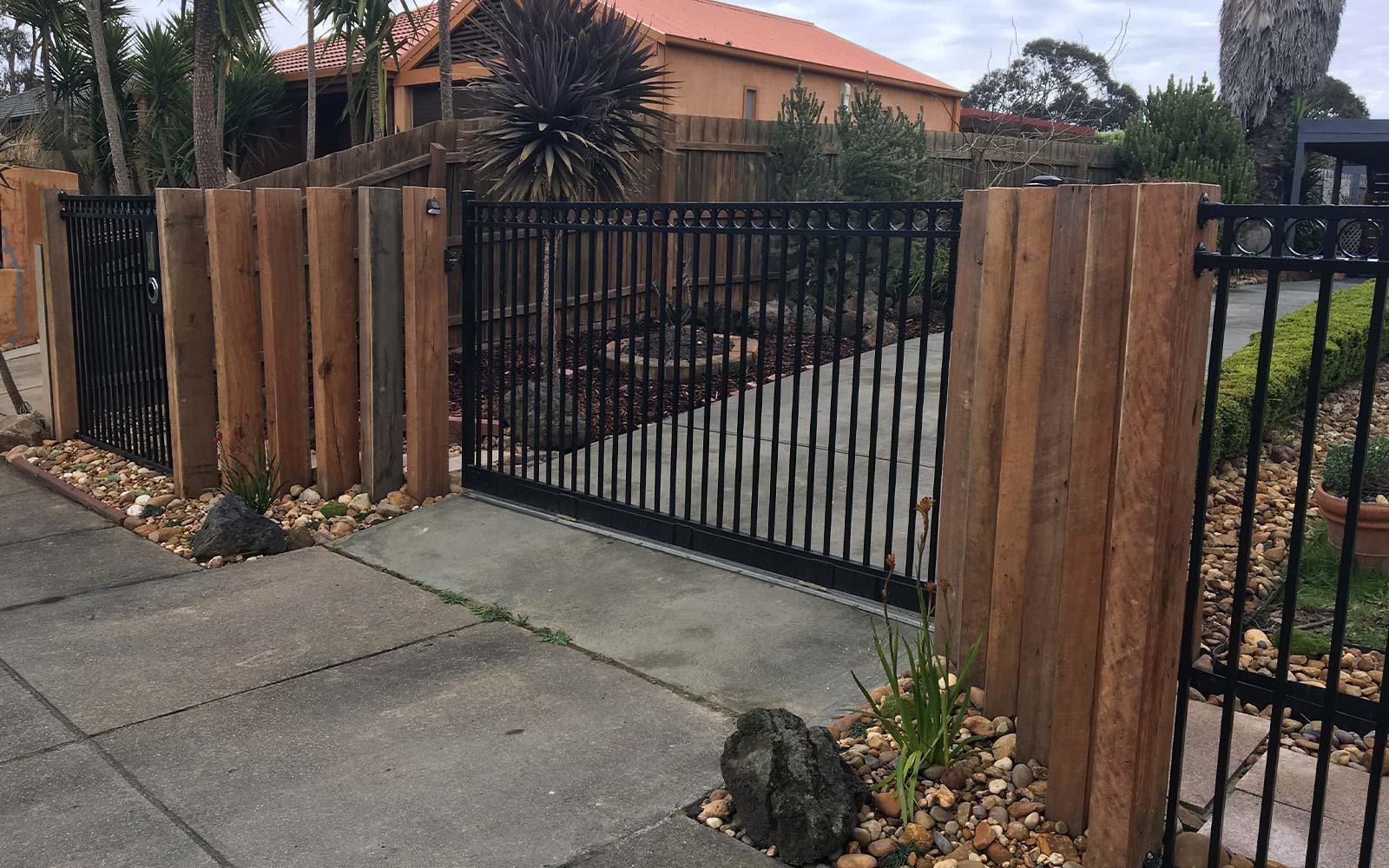 automated sliding gates image